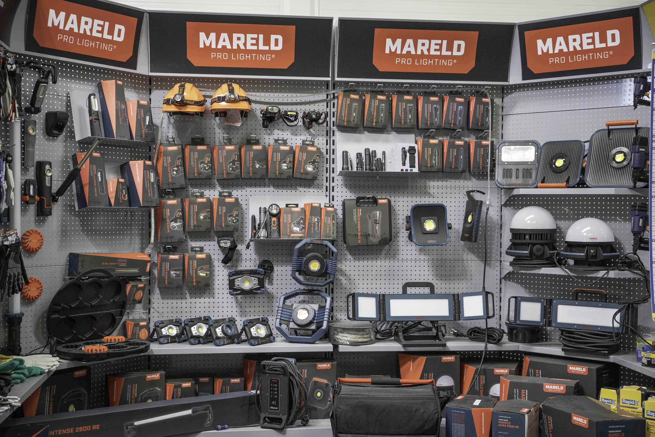 Mareld - cztery regały oświetlenia